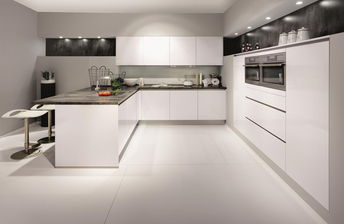 T ma biela kuchy a n pady in pir cie - Moderne fotos ...